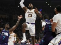 Anthony Davis' Double-Double Leads LeBron James, Lakers to Win vs. Hornets