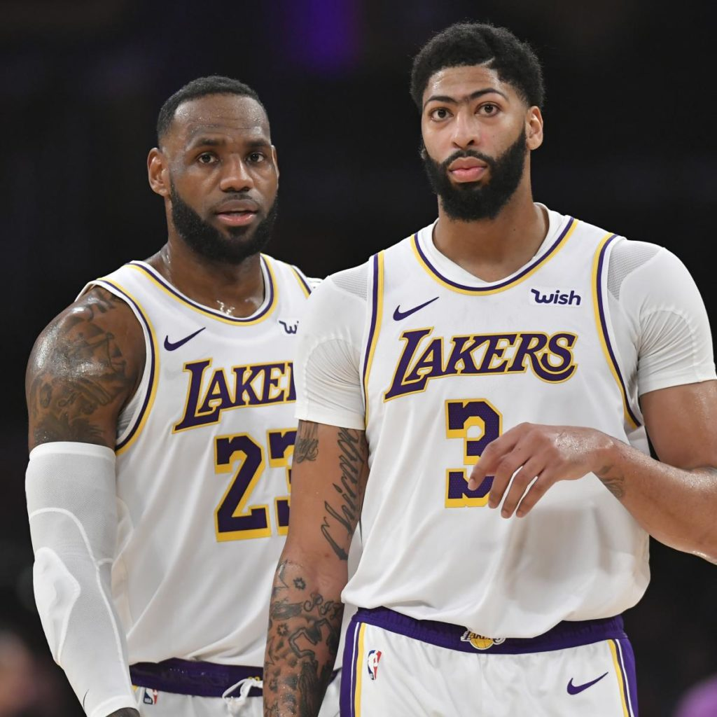 Lakers' LeBron James After Anthony Davis' Injury: 'Who Said It Would Be Easy?'