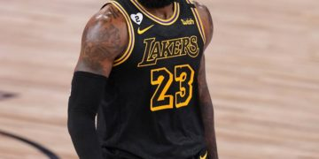 Lakers' LeBron James Hypes 'Savage' Chase Young After WFT Upsets Steelers