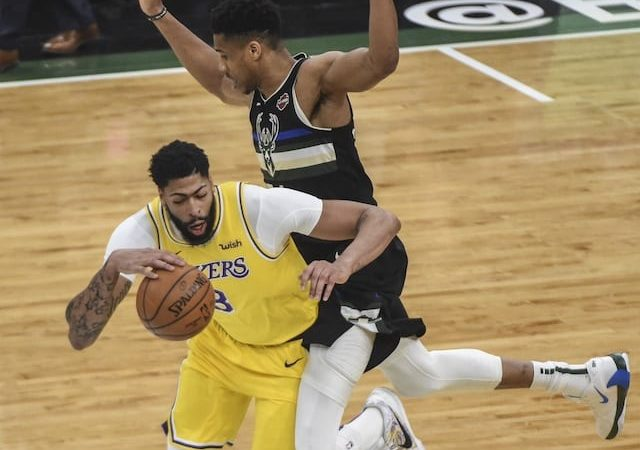 Anthony Davis Says Lakers Feel 'Lot of Pressure' to Beat Bucks After Losing to Warriors